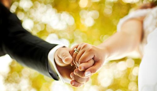 házasság randevú csók nélkül randevú valakivel, aki túl elfoglalt