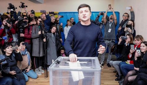 Tűzszünettel indítaná tevékenységét az ukrán elnökjelölt