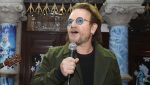 A U2 énekese az utcán töltötte a szentestét
