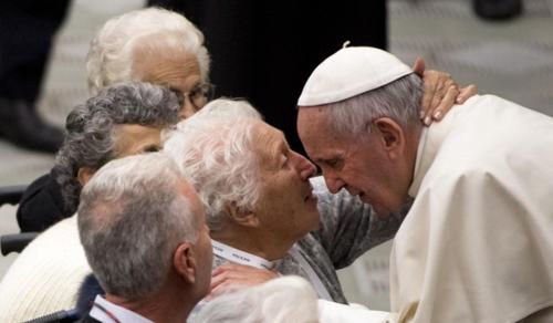 A Vatikán a szeniorokra irányítja a figyelmet