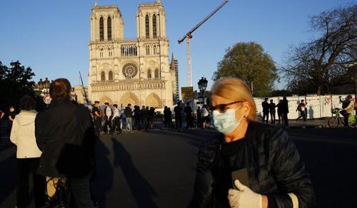 Újraindulnak a Notre-Dame helyreállítási munkálatai