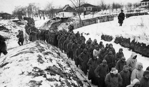 Magyarország megkapja a szovjet táborokba hurcolt magyarok azonosító kartonjait