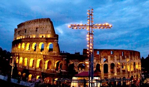 Hajléktalanság és migráció is szóba kerül az idei római keresztúton