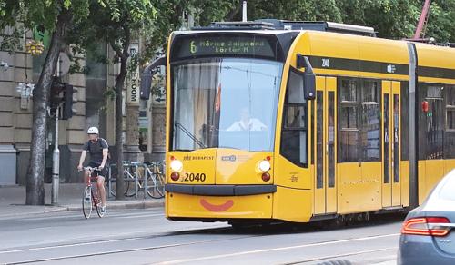 Szász László: A kerékpársávoknak köszönhetően élhetőbb várossá válik Budapest