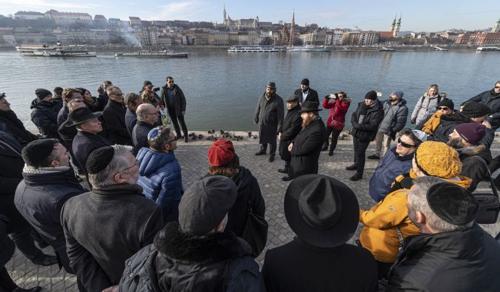 A holokauszt magyarországi áldozataira emlékeztek Budapesten