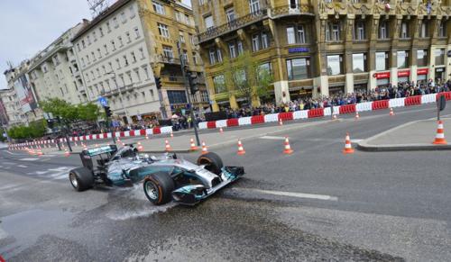Ismét versenypályává válik Budapest belvárosa