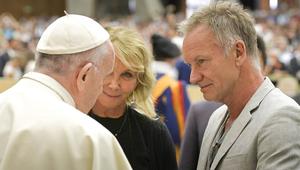 Sting meglátogatta a pápát