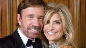 Azt ismered, hogy Chuck Norris egy cipősdobozba rakja a szívét?