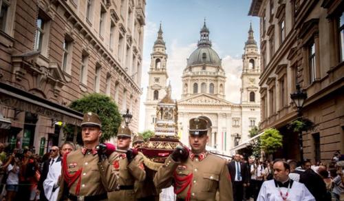 Elmaradhat a Szent István-napi szentmise és körmenet Budapesten?