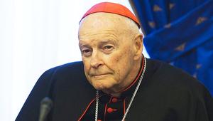 Felfüggesztett a Vatikán egy amerikai bíborost