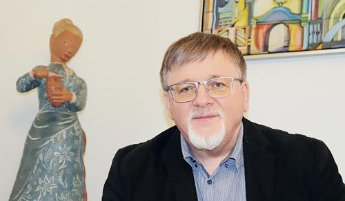 Dézsi Csaba András: A munka értéket teremt, a tingli-tanglizás szégyen