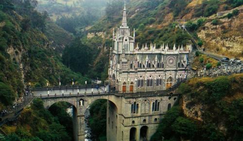 Templomok a világ különleges tájain