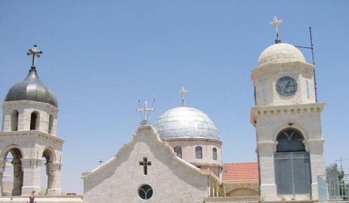Hölvényi: A helyi keresztények megerősítésével állhat talpra Szíria