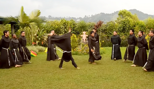 Mit művelnek ezek a szerzetesek?