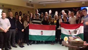 Ha a magyarok nem mennek Panamába, Panama jön a magyarokhoz!