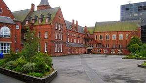 Felszámolják az egyetlen katolikus szemináriumot Észak-Írországban