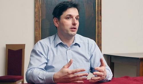 Minél több kérdése van valakinek, annál mélyebben hisz - interjú Görföl Tibor teológussal