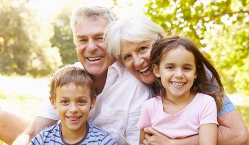 A nagyszülő az unoka boldogságának kulcsa