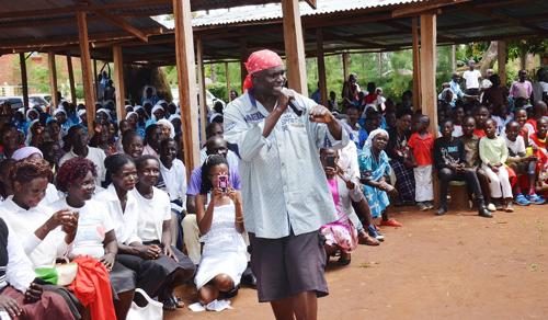 Reppelő pap borzolja a kedélyeket Kenyában