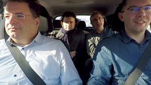 3 zenész fivér gyerekdalt rappel az autóban