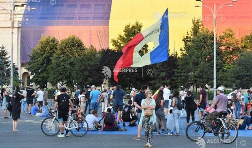 Komolyabb incidensek nélkül ért véget a román diaszpóra és ellenzék kormányellenes tüntetése
