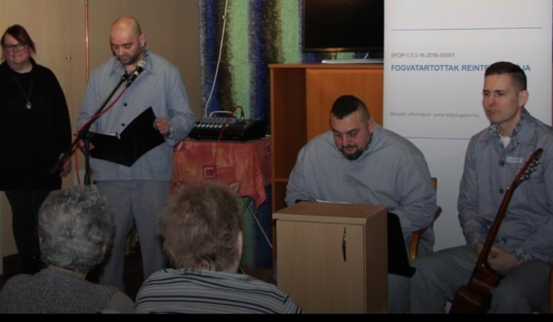 Négy helyre juttattak ajándékot egy börtön rabjai