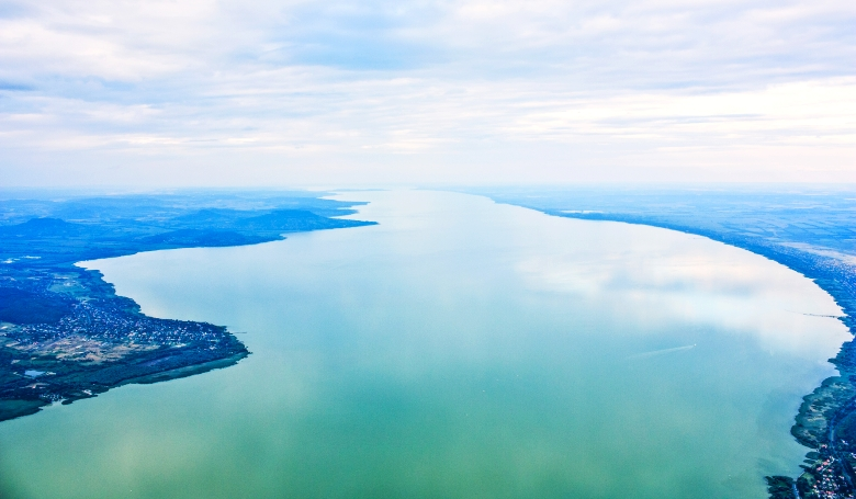 Elkezdték leereszteni a Balaton vizét