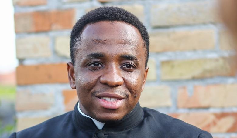 4-5 pap szolgál a plébániákon – Nigériában