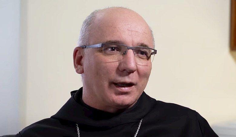 Hortobágyi T. Cirill: A Húsvét arról szól, hogy a sült galamb nem repül a szánkba