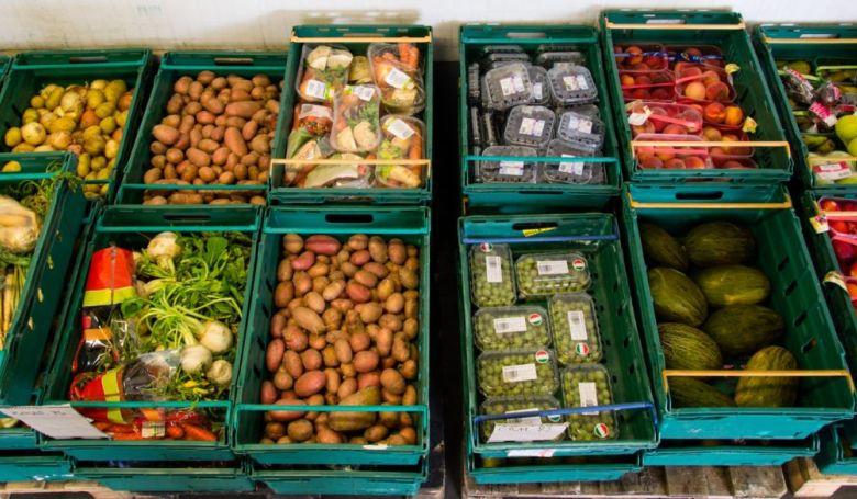 Hétvégén több száz áruházban gyűjtenek a rászorulóknak