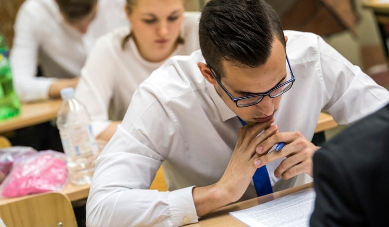 111 ezer 100 diák érettségizik ma