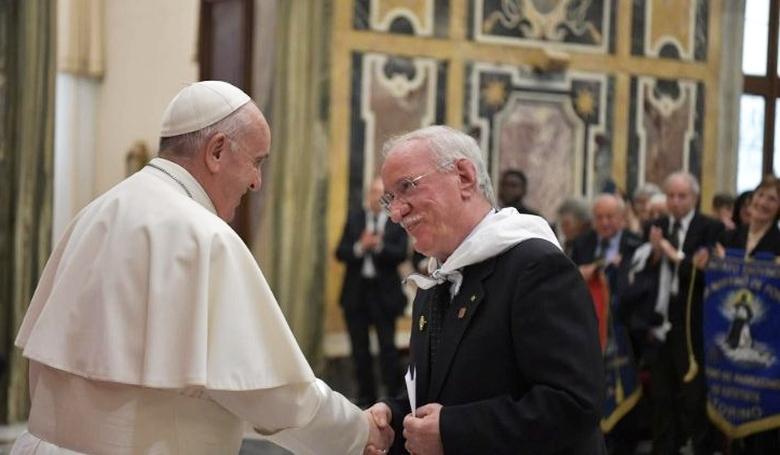 Ferenc pápa megkérte a fodrászokat, hogy ne pletykáljanak