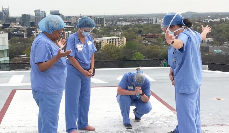 Ezek az ápolók megtalálták a legjobb választ a járványra