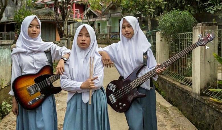 Ebben az indonéz bandában már az is csoda, hogy létezik
