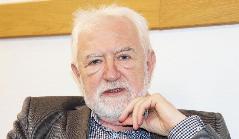 Kincses Gyula: Minden betegnek joga van a kipihent orvoshoz