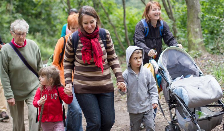 Gyalogos zarándoklatot szerveznek a családokért