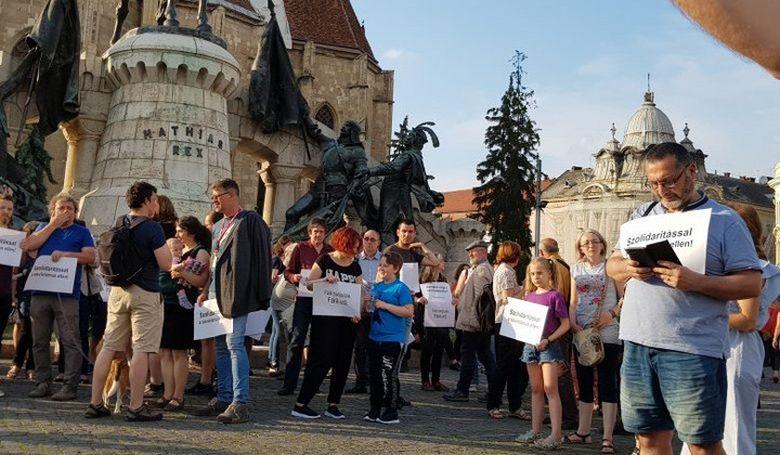 Román-magyar szolidaritási menetet rendeztek Kolozsváron
