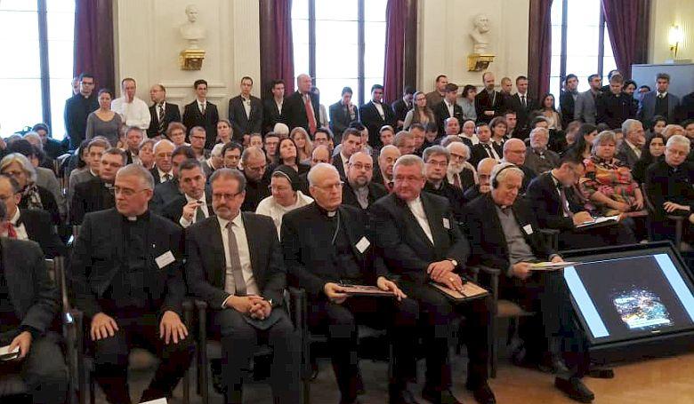 XVI. Benedek pápa köszöntötte egy budapesti konferencia résztvevőit