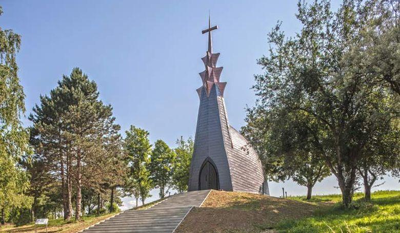 Makovecz-kápolnát avattak Zalaegerszegen