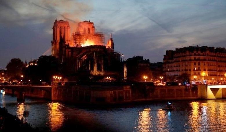 Megújulásra hív a Notre-Dame leégése kapcsán Erdő Péter