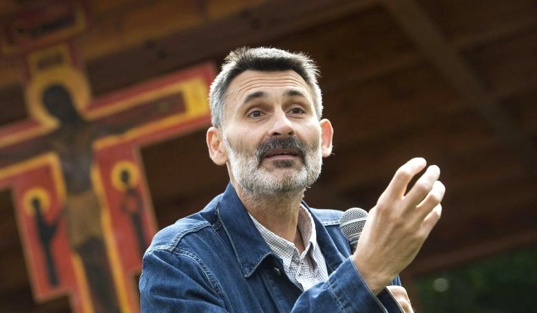 Pál Ferenc: Az okoseszközök személytelenre szabnak bennünket (videó)