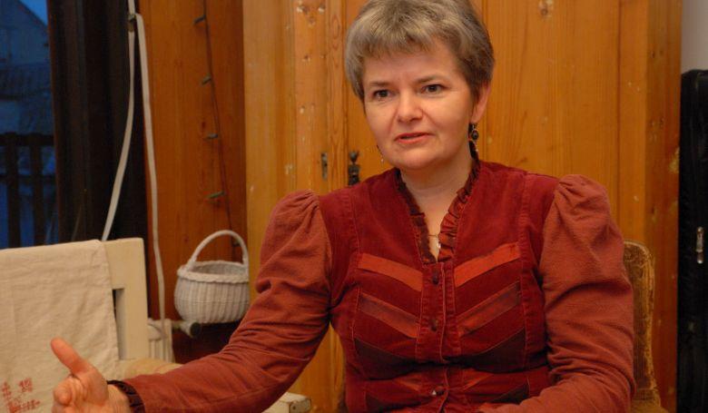 Mitől válik egy mesekönyv szellemi hormonkezeléssé? – interjú Pécsi Rita neveléskutatóval