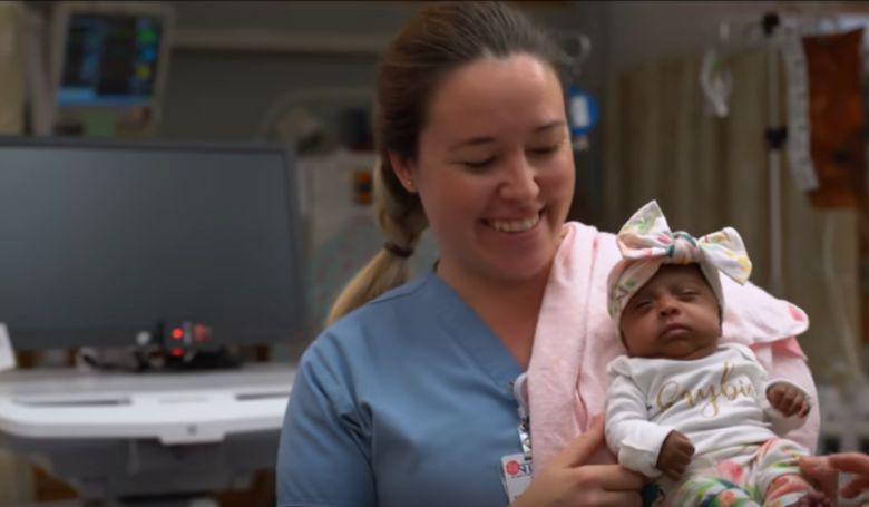 Egészséges, és hazamehetett a legkisebb súllyal született baba