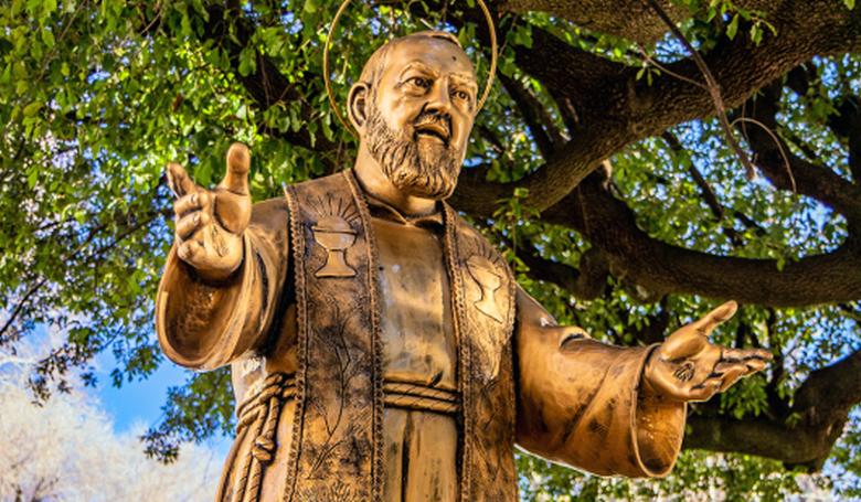 Hogyan akadályozta meg kolostora lebombázását Pio atya?