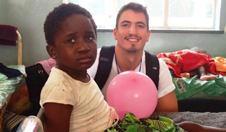 Patkányok és gekkók között: magyar orvosok afrikai missziója