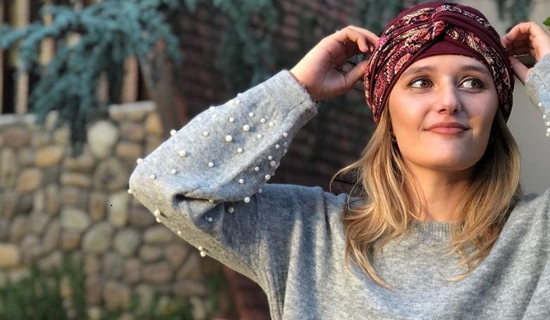 Egyedi turbánokkal teszi jobbá a rákos betegek életét