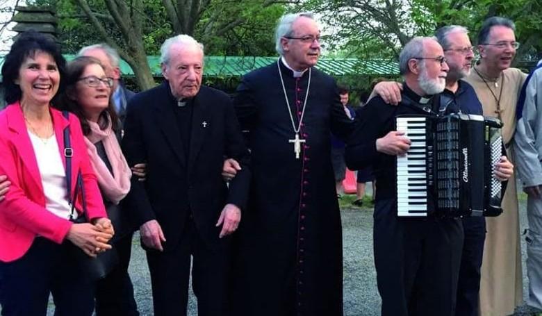 100 éves a plébános, akinek a fiai is papok lettek