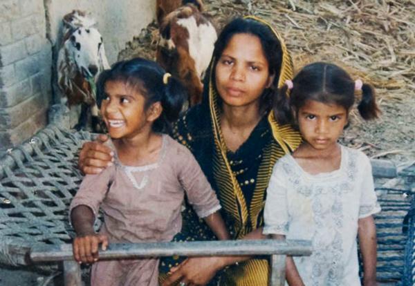 Imádkozzunk az ötgyermekes, üldözött édesanyáért!
