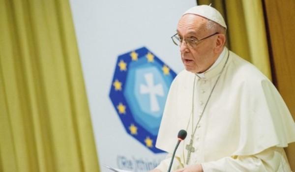 Ferenc pápa: A keresztényeknek az a feladata, hogy elősegítsék a politikai párbeszédet