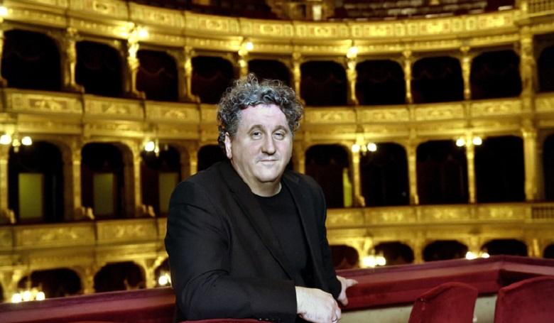 A kereszténység beveszi az Operaházat